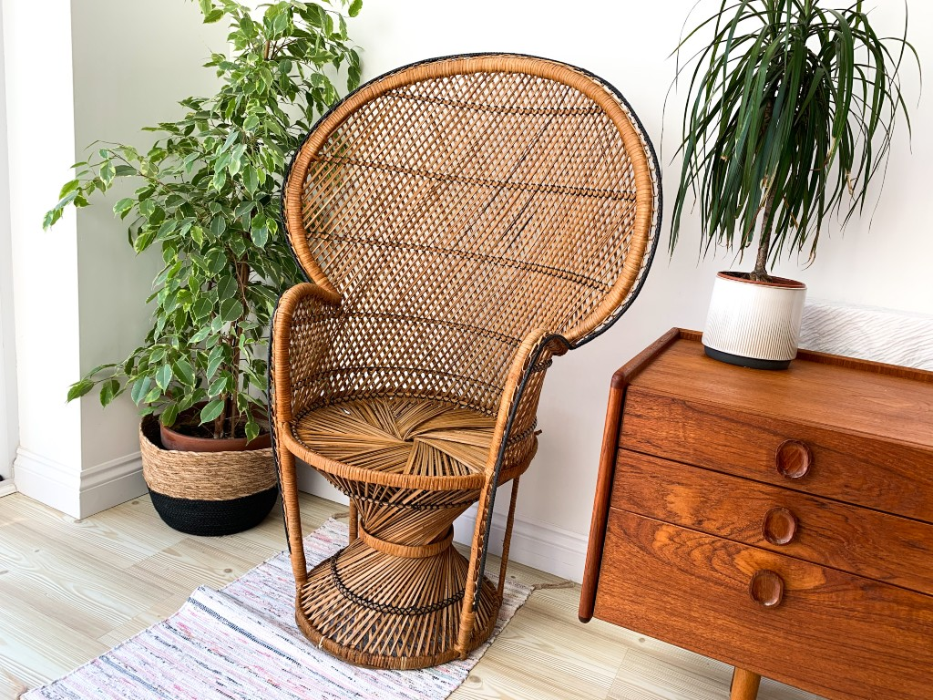 wicker peacock chair | vintage homeware trends | vintage homeware blog